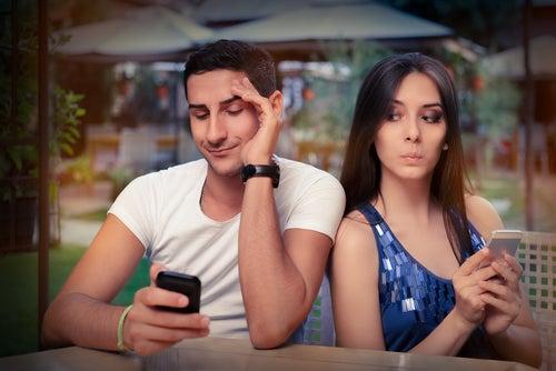 Açık İlişkilerde Kıskançlığı Yönetmek