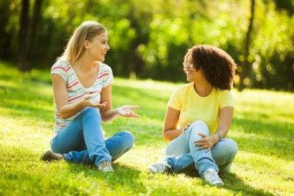 Konuşan kızlar