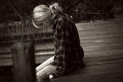 Yalnız kız