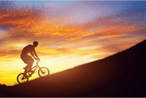 daga-dogru-bisiklet-suren-adam