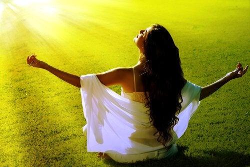Mutluluğu Yakalamanıza Yardımcı Olacak 13 Fikir