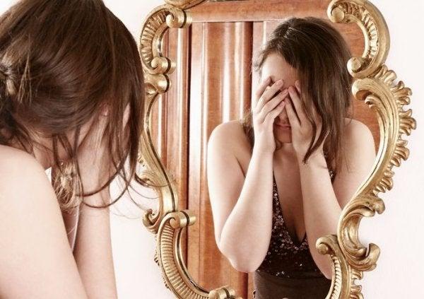Beden Algı (Dismorfik) Bozukluğu Nedir?