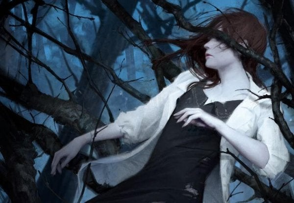 ağaçtaki kadın