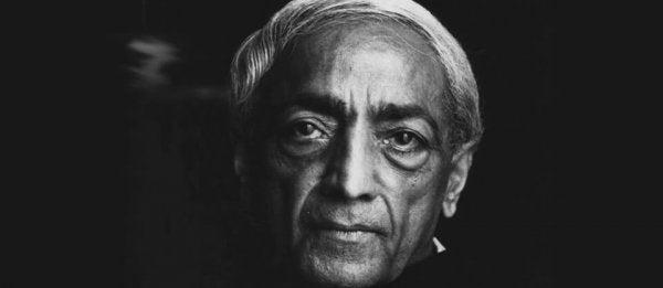 Krishnamurti'nin Bu Videosu Sizi Kendiniz Hakkında Düşünmeye İtecek