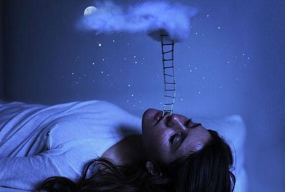 uyurken bulutlara merdiven dayamak