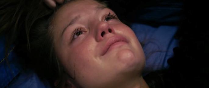 Ayrılık yüzünden ağlayan Adele