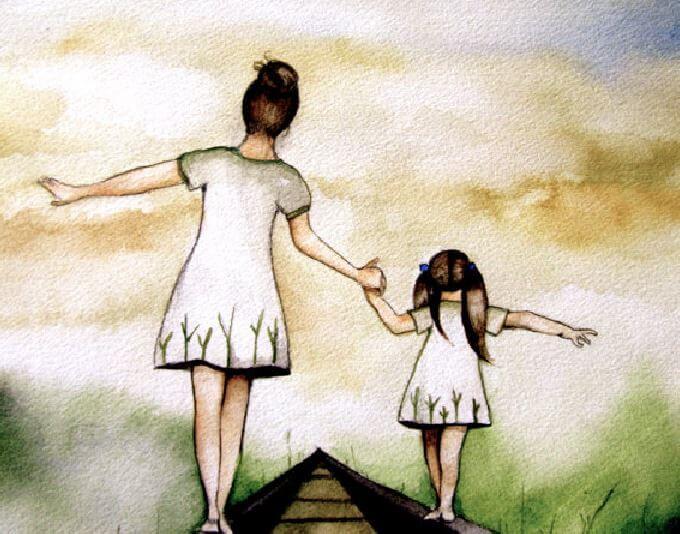 anne kız el ele tren raylarında yürüyor