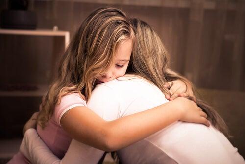 Çocuklara Üzüntülü Dönemlerinde Destek Olmak Gerekir