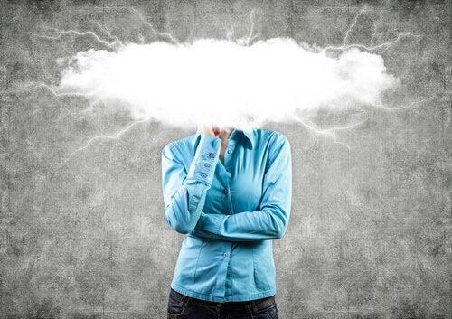 akılda şimşekli bulutlar