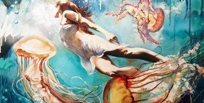 ahtapotlar ile yüzen kadın