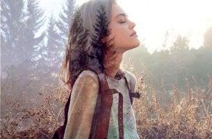 sonbahar kız orman