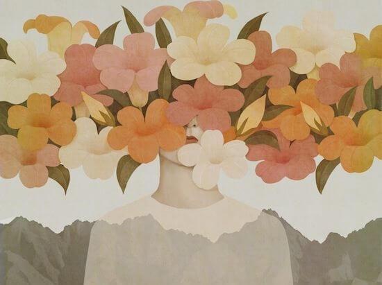 kadının yüzünde çiçekler