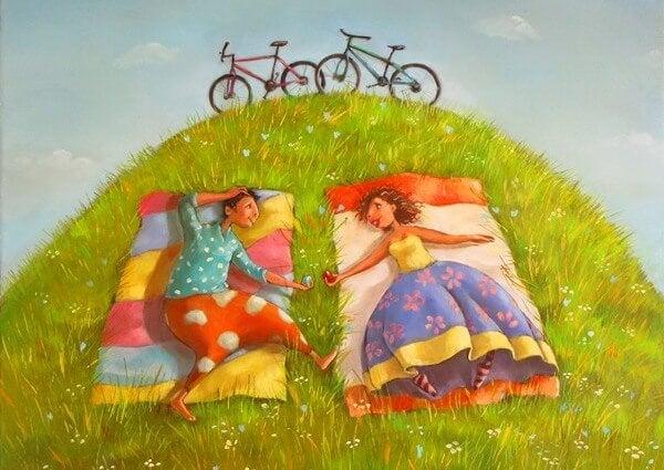 çimde yatan çift