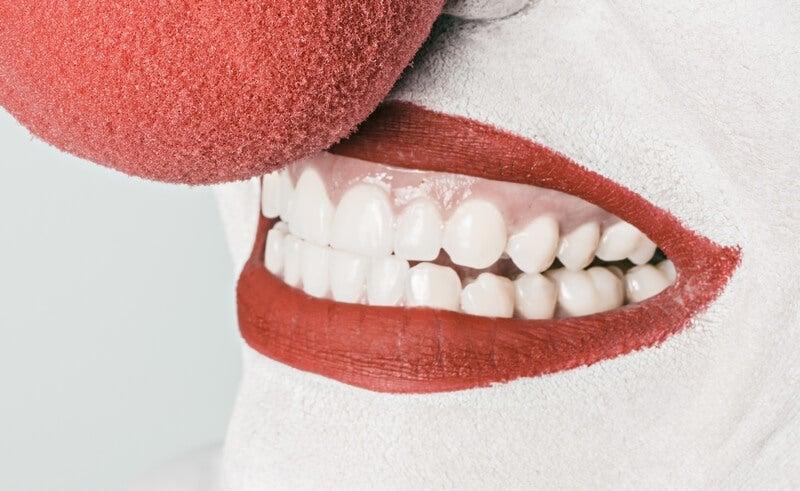 gülen palyaço dudağı
