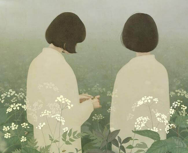 çiçek tarlasında iki kız