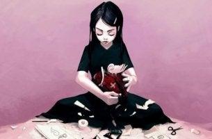 kalbini onarmaya çalışan kadın