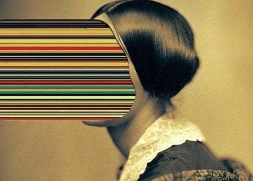 renkli yüzlü kadın