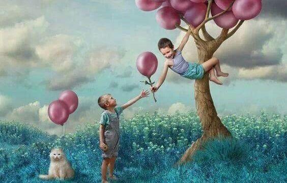 ağaçtan balon toplayıp paylaşmak