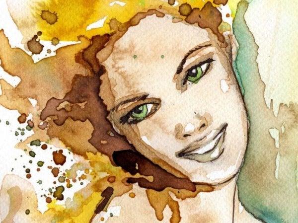 gülen yeşil gözlü kadın