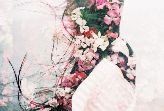 kız ve çiçek silüeti