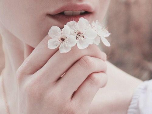 çiçek ve ağız