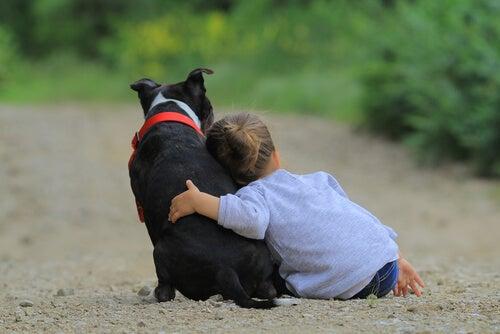 köpekle çocuk