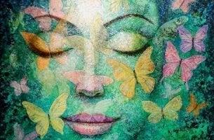kadın yüzü ve kelebekler