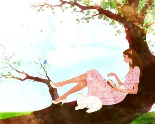 ağaçta kitap okuyan kadın
