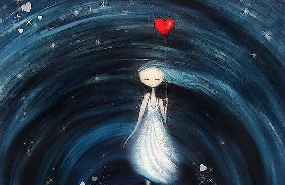 kalbini balon gibi tutan kız
