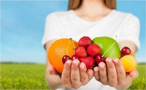 Süper Gıdalar: Beynimizin Daha İyi İşlemesini Sağlayan Besinler