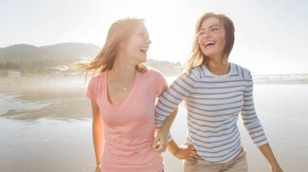 mutlu kızlar