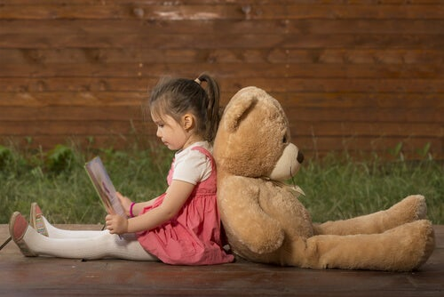 """""""Anne Sana İhtiyacım Yok"""": Çocuklarda Kaçınmalı Bağlanma"""