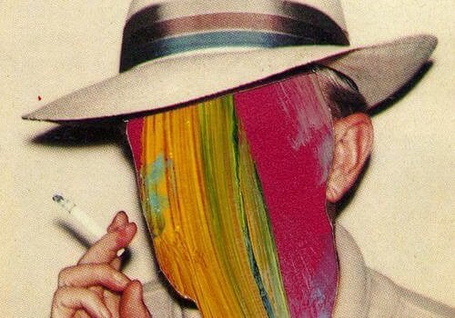 sigara içen adamın renkli suratı
