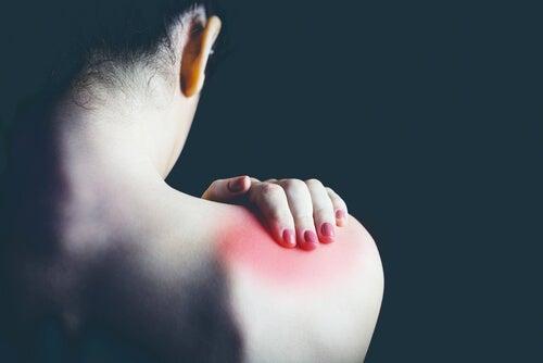 omuz ve sırt ağrısı