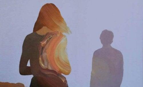 renkli kadın ve gölge adam