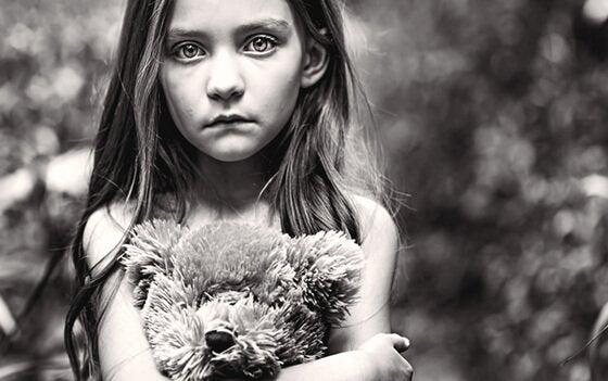 Kenarda Bırakılmış: Unutulmuş Çocuklar