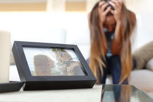 kırık resim ve acı