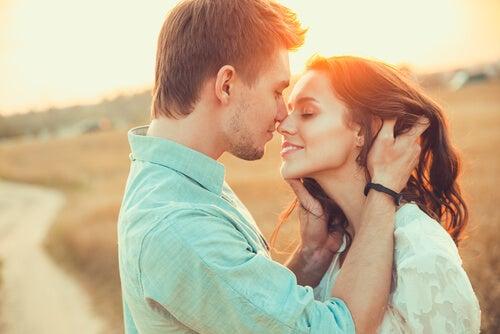 Aşk ve Sevdalanmak Madalyonun İki Yüzü Mü?