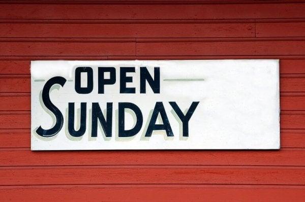 pazar günü açık tabelası