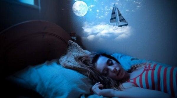 Sayıklama: Uykuda Konuşmak