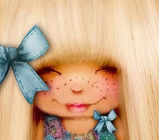 sarı saçlı mavi kurdeleli küçük kız