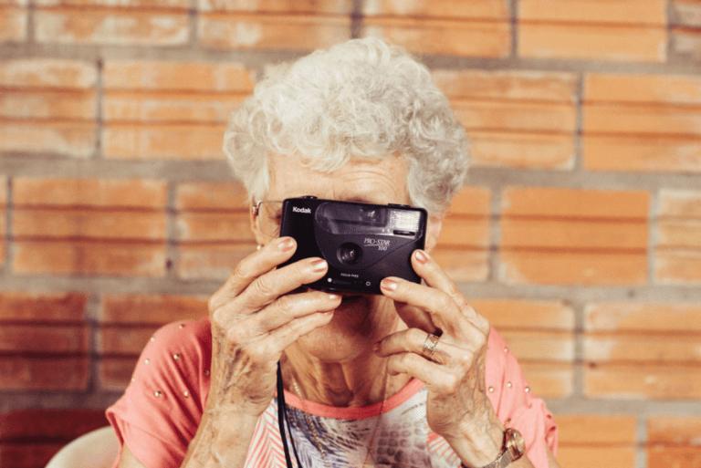 yaşlı kadının objektifinden