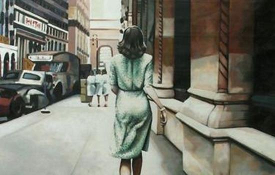 arkası dönük yürüyen kadın