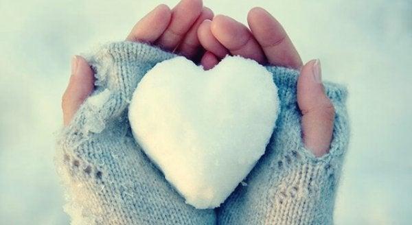 Kalbi Buz Kesmiş: Duygularını İfade Etmekte Zorlanan İnsanlar