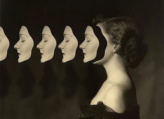 çoğalan kadın yüzü