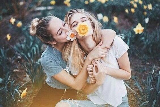 çiçekler ve dostlar