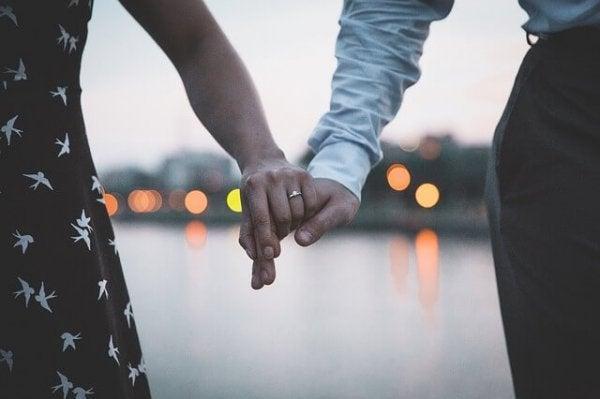 İlişkinizde Geçmişte Yaşananları Ne Zaman Geride Bırakmalısınız