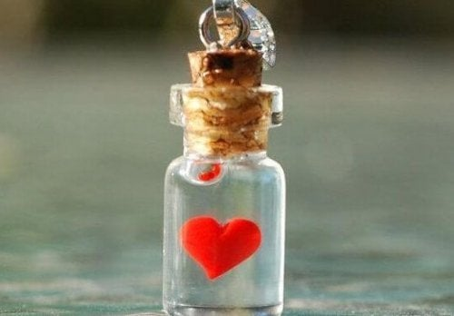 bir minik şişe sevgi