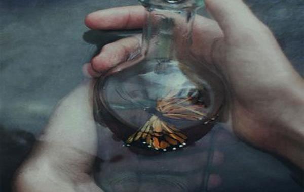 şişe içinde kelebek