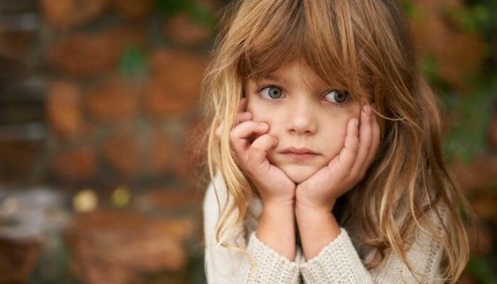 üzgün kız